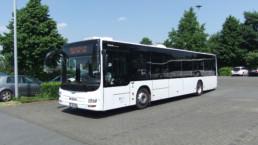 MAN Lion's City LE Linienbus auf Parkplatz Seitenansicht - Musshoff Touristik Lippstadt