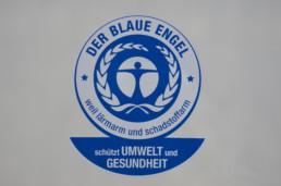 Blauer Engel Abzeichen - lärmarm und schadstoffarm - Musshoff Touristik Lippstadt