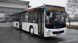 MAN Lion's City LE Linienbus auf Parkplatz Frontansicht - Musshoff Touristik Lippstadt